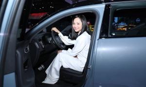 Miu Lê: 'Tôi thích du lịch và xe phong cách thể thao'