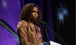 Bà Michelle Obama mặc đồ Công Trí