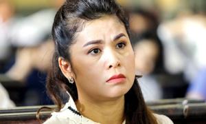 Bà Thảo 'Trung Nguyên' xin hoãn xử ly hôn vì nằm viện