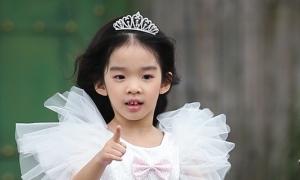 Con gái Xuân Lan hoá công chúa catwalk