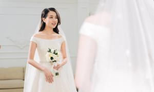 Hot girl Mie Nguyễn thử váy cưới