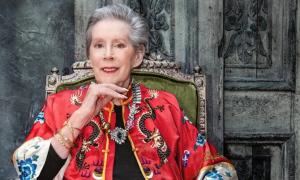 Cựu người mẫu 85 tuổi tái hiện hình ảnh thời 20