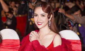 Phan Thị Mơ đeo trang sức hơn chục tỷ