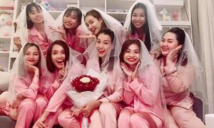 Hoàng Oanh tổ chức tiệc độc thân