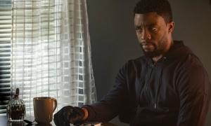 Phim của 'Black Panther' ra rạp sau 2 lần hoãn chiếu