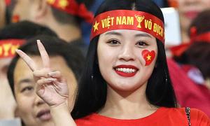 Nữ CĐV gây chú ý trận Việt Nam - Thái Lan