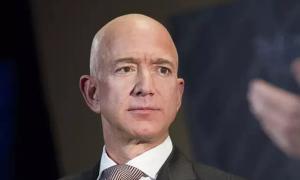 Ông chủ Amazon bị chỉ trích 'keo kiệt'