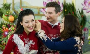 Cô dâu Hoàng Oanh makeup cưới tông cam đỏ