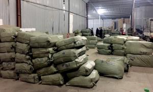 Hơn 100 tấn dược liệu nhập lậu nguỵ trang bằng hoa quả khô