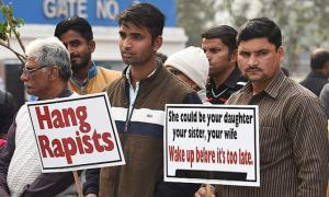 Thiếu nữ 17 bị hiếp dâm tập thể nhiều ngày