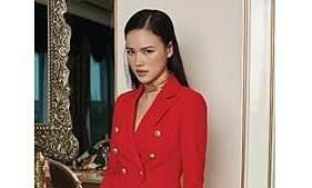 Tuyết Lan diện trang phục phong cách hoàng gia của I Hate Fashion