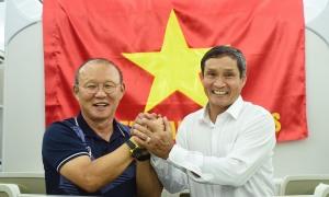 HLV Mai Đức Chung: 'Ông Park trào nước mắt cổ vũ tuyển nữ'