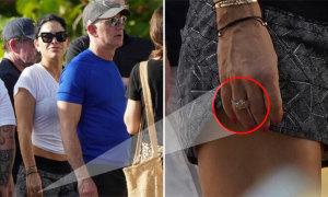 Bạn gái ông chủ Amazon khoe nhẫn kim cương