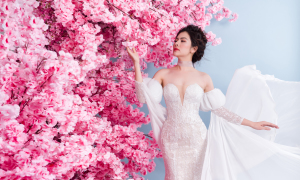 Vân Trang hóa thành cô dâu với váy cưới xếp ly
