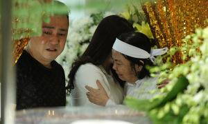 Lý Hùng, Lý Hương an ủi vợ Chánh Tín