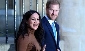 Nhà Harry tính bỏ sự nghiệp hoàng gia từ tháng 9