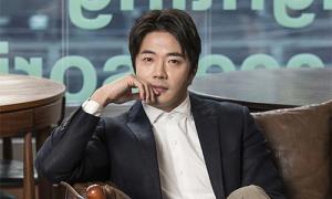 Kwon Sang Woo nghiêm với con trai, chiều con gái