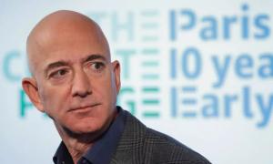 Ông chủ Amazon bị chê keo kiệt