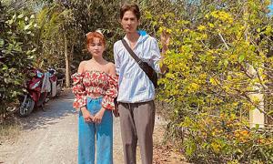 Ảnh sao 24/1: Sĩ Thanh ra mắt nhà Huỳnh Phương