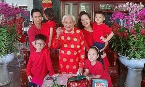 Ảnh sao 26/1: Gia đình Lý Hải về Tiền Giang ăn Tết