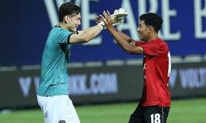 Fan Thái khen Văn Lâm là 'người hùng penalty'