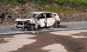 Ôtô cháy, hai người chết