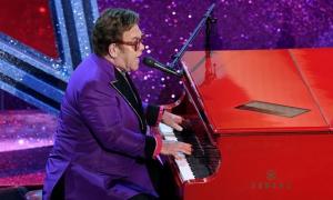 Elton John trình diễn ca khúc thắng giải Oscar