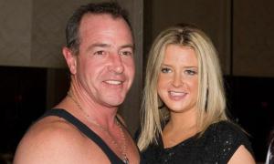 Bố Lindsay Lohan bị bắt