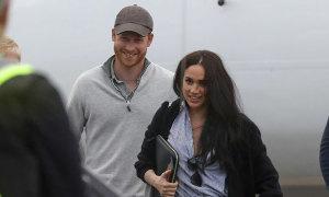Harry - Meghan lần đầu sánh đôi sau khi rời hoàng gia