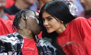 Kylie Jenner tái hợp bạn trai cũ