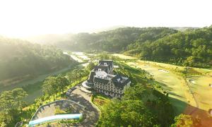 Chơi golf kết hợp nghỉ dưỡng tại SAM Tuyền Lâm Golf & Resorts