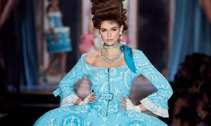 Kaia Gerber 'càn quét' 4 tuần thời trang thu đông