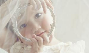 Bố giúp con gái thực hiện ước mơ làm công chúa