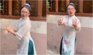 Phương Mỹ Chi nhảy điệu rửa tay