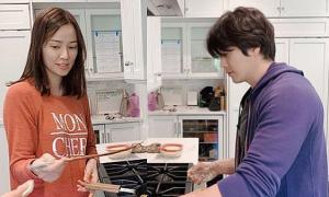 Vợ chồng Kwon Sang Woo vào bếp