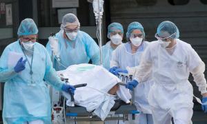 Bệnh viện Pháp nguy cơ 'vỡ trận' như Italy