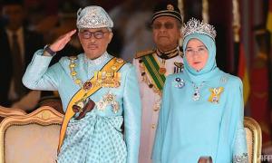 Vua và Hoàng hậu Malaysia phải cách ly