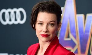 Người đẹp 'Avengers' xin lỗi vì từ chối cách ly