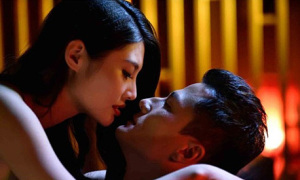 Mỹ nam 'Tinh võ Trần Chân' tái hợp bom sex