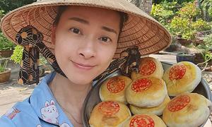 Ngô Thanh Vân làm bánh pía khoai môn đặc sản