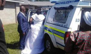 Cô dâu, chú rể và khách mời bị bắt ở đám cưới chui