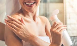 Mẹo chăm sóc da mềm mại từ đầu đến chân