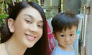 Ảnh sao 16/4: Lâm Khánh Chi bên con trai