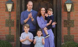 Nhà Kate vỗ tay cổ vũ đội ngũ chống dịch