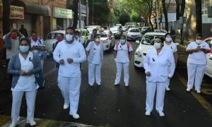 Nhân viên y tế Mexico bị tấn công trên đường