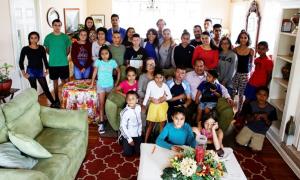 Cặp vợ chồng cách ly với 31 người con nuôi
