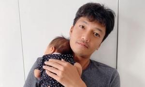 Quang Tuấn: 'Con cái không phải ác mộng'