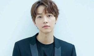 Song Joong Ki bị đồn yêu luật sư ly hôn