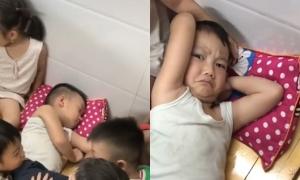 Cậu bé ngủ say khiến cả lớp phải gọi