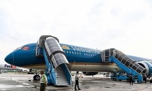Hành khách tử vong vì ngã từ xe thang máy bay